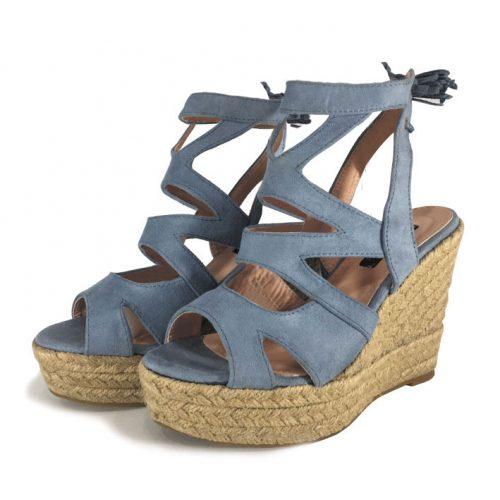 Sandalias azules con plataforma de esparto