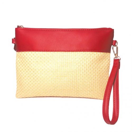Vista frontal de bolso de rafia rojo