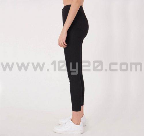 vista lateral de pantalón de loneta negro