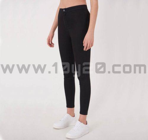 vista de pantalón de loneta negro