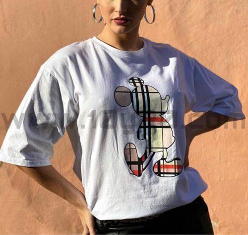 vista frontal de camiseta blanca Mickey cuadros